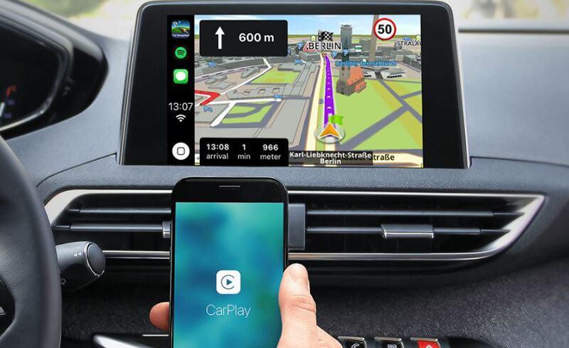 Android Auto Vs Apple Carplay - Navigation and Guidance
