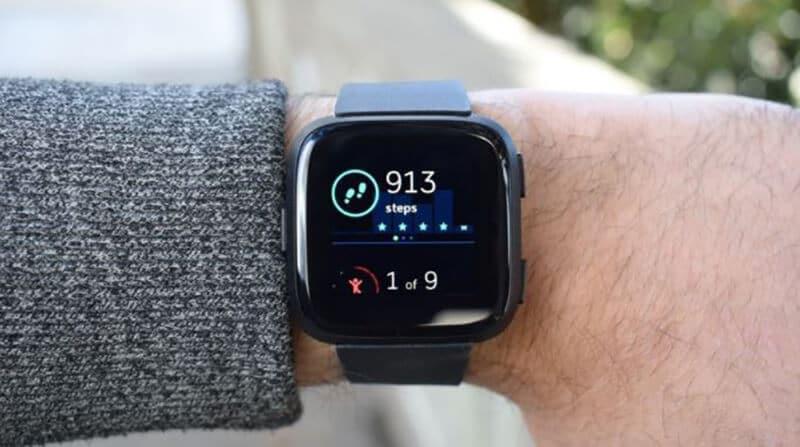 Fitbit Versa 2 vs Fitbit Versa Specs & Features