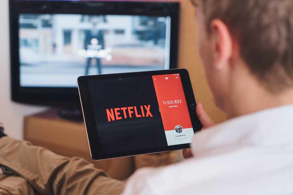 Benefits of Watching Movies Movies Online